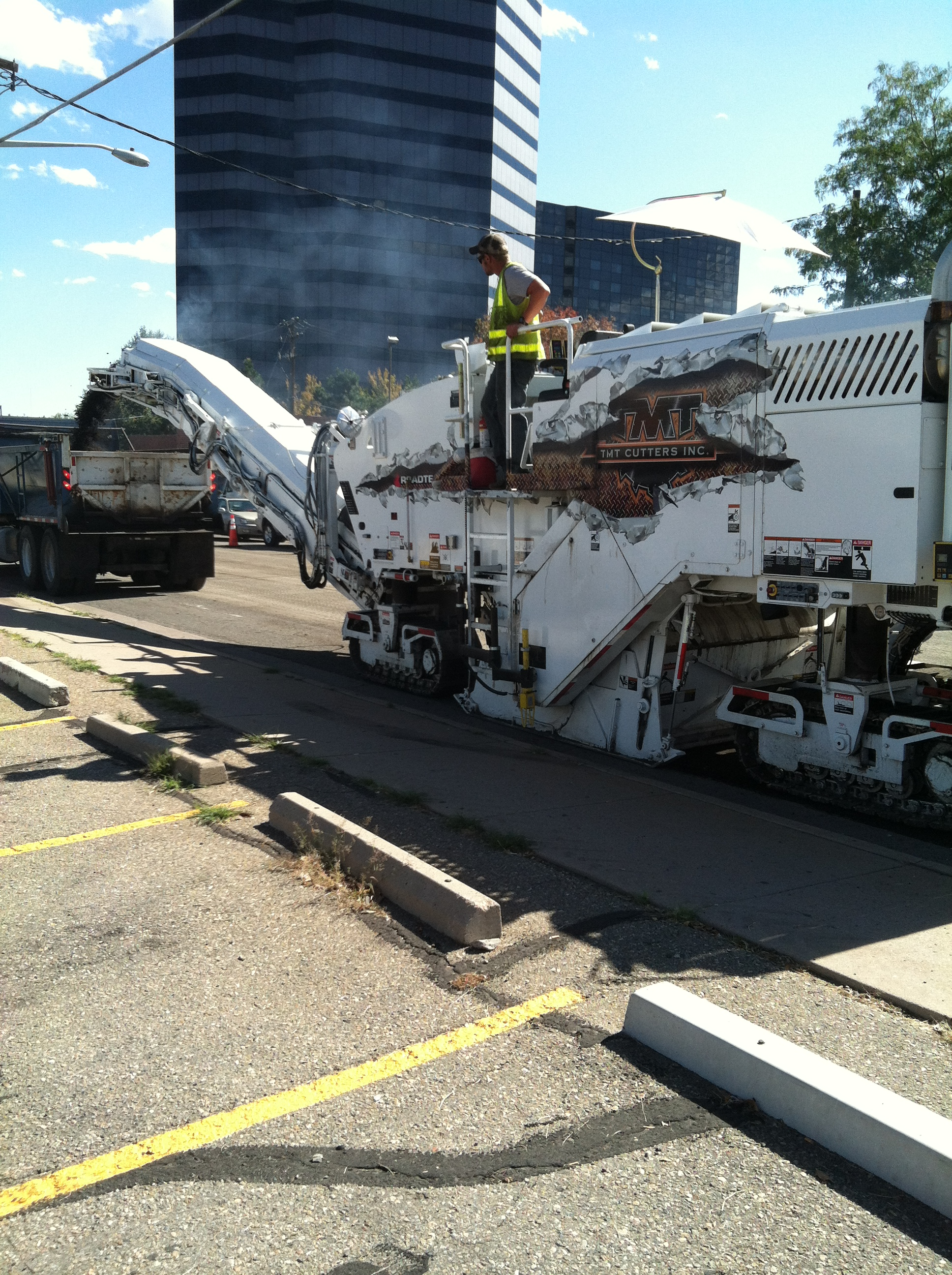 Milling machine paving project